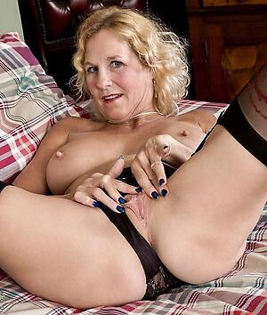 Naked mature cunts porn
