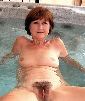 Mature hairy woman porn pics
