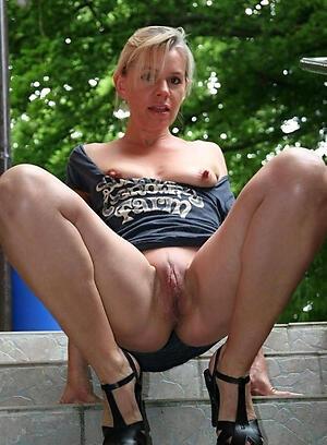 Amateur pics of pound nipple mature