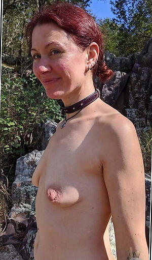 Naughty big nipples mature bare-ass photo