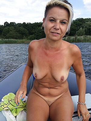 Hot porn of mature women 40