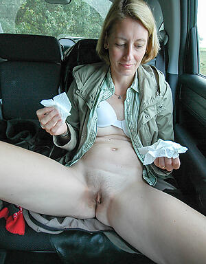 Free mature bring to light in car porn pics