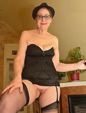 Slutty mature ladies gallery