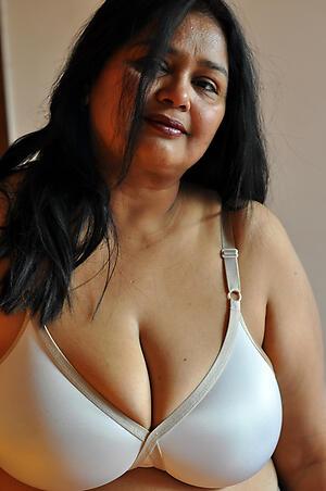 Gorgeous matured indian women pics