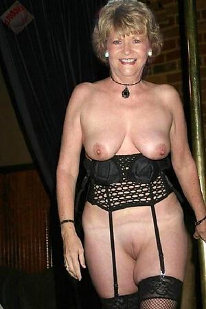 Sexy mature pussy slut pics
