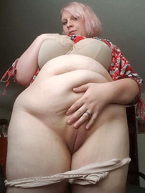 Xxx chubby mature gallery