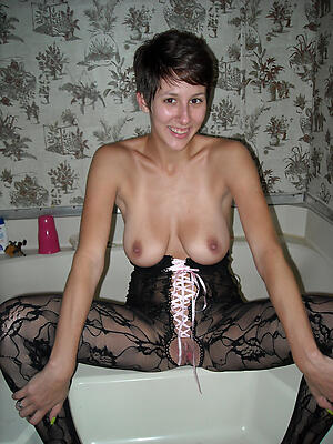 bonny mature girlfriend denude pics