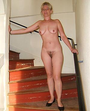 naughty mature girlfriend unfold pics