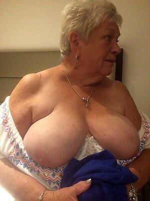 Pretty sexy granny mature pics