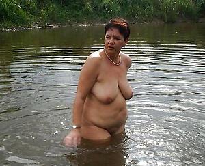 Hot porn of mature natural breast