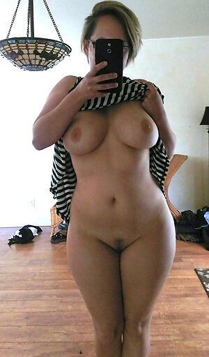 Hot mature selfshots pussy pics