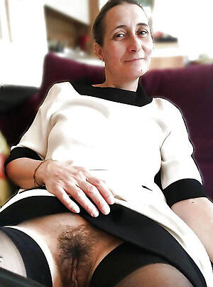 Amateur pics of hot unshaved mature pussy