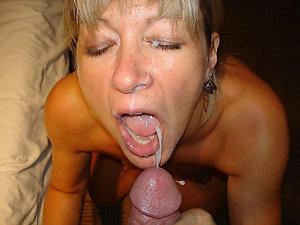 Pretty mature women cumshot pics
