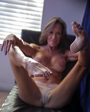 Private xxx mature sexy milf feet