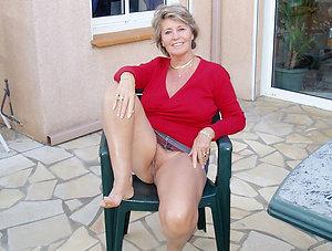 Naked pretty mature women feet