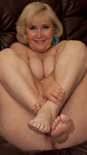 Sweet pretty feet women pictures