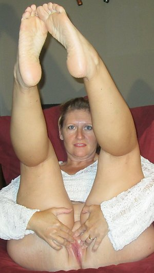 Classy mature feet and legs sex photos