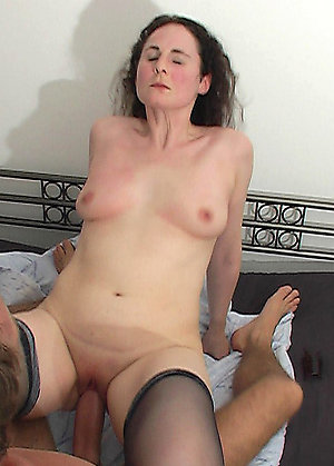 Free old women fuck amateur pics