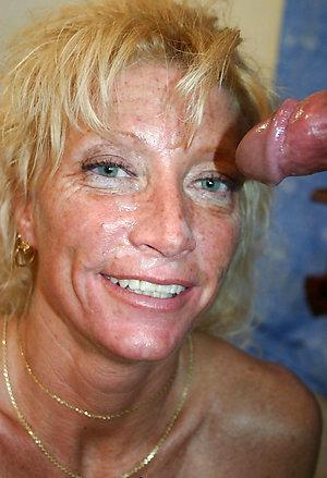 Nude mature girlfriend pics