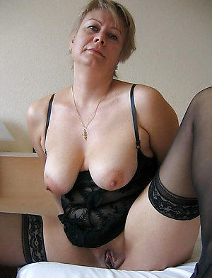 Horny hot old girlfriend pics