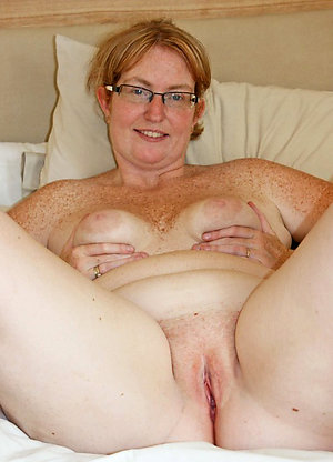 Private amateur older girlfriend nude photos