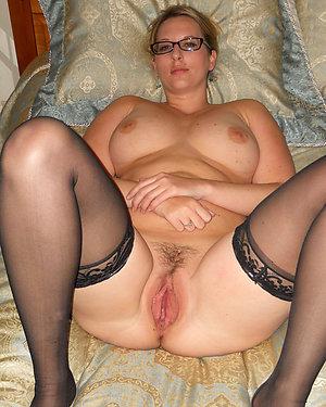 Busty amateur girlfriends nude pics