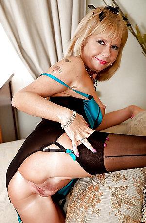 Hot free nude mature girlfriend pics