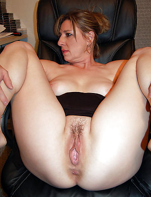 Super-sexy amateur slut mature girlfriend