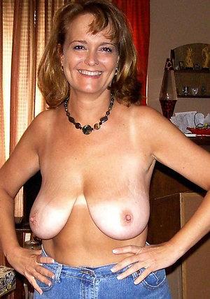 Nice older girlfriend nude pictures