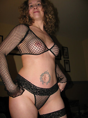 Sweet naked amateur girlfriend