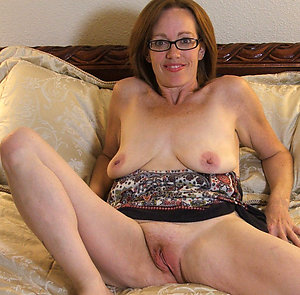 Nude hot older milf with glasses pics