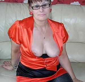 Xxx busty milf with glasses pics