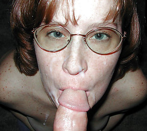 Naked sexy mature milf with glasses