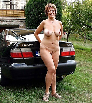 Busty horny sexy mature milf with glasses