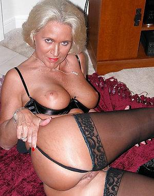 Real mature granny pussy pics