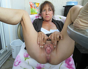 Private mature granny photos
