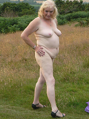 Amazing amateur sexy granny photos
