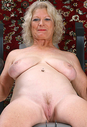 Free private mature naked grannies