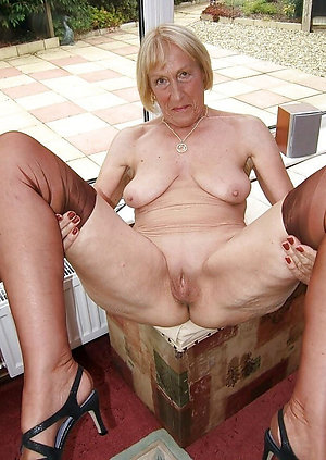 Amazing mature granny nude photos