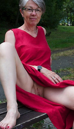Favorite hot mature granny pics