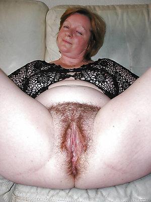 Mega hairy mature pussy pics