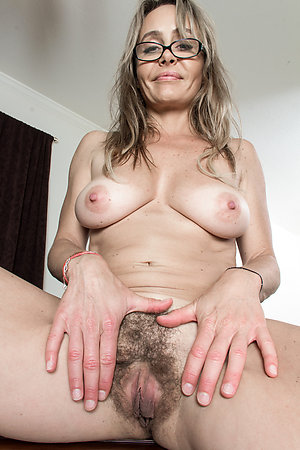 Amateur pics of hairy pussy mature moms