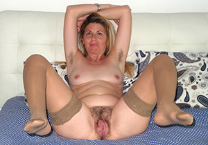 Busty hairy older mom porn pics