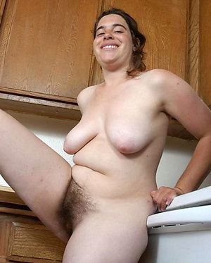 Natural hairy mature galleries