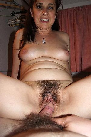 Gorgeous hairy mature ass pics