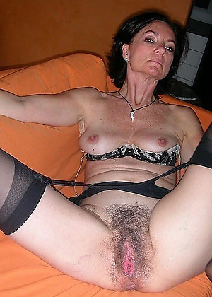 Crazy amateur mature hairy pussy pic