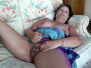 Very natural hairy women pictures