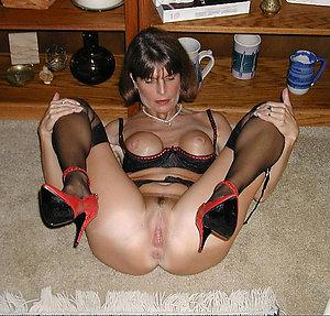 Slutty mature heels porn pics
