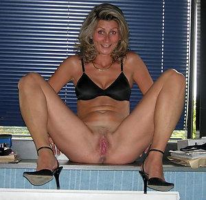 Private homemade mature heels porn