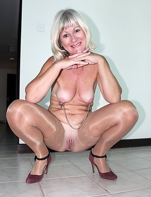 Naked mature sluts in heels pictrues